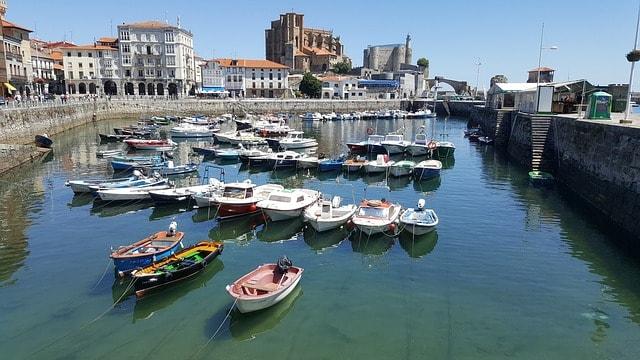 Puerto de Cantabria